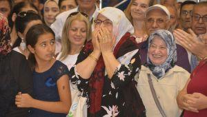 Aliağa'daki TOKİ kurasında sevinç gözyaşları