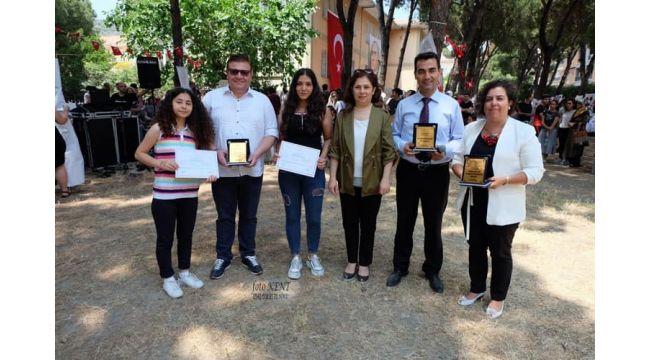 Yönetmen Selami TANER e Halk Eğitimi Merkezinden Ödül;