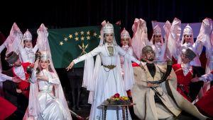 Kafkaslar Türkiye'de : «Nalmes» İzmir'e Geliyor!
