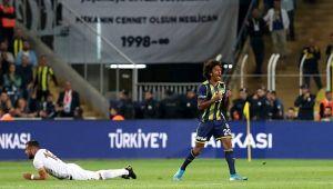 Luiz Gustavo gösterdiği performansla göz doldurdu