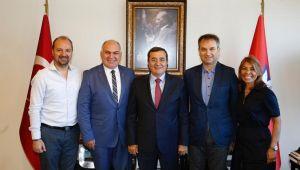 TSYD İzmir Şubesi'nden Konak Belediye Başkanı Batur'a ziyaret