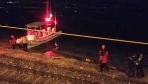 Balık tutarken tren çarptı