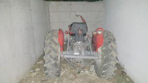 İzmir'de traktör hırsızı baba-oğul yakalandı
