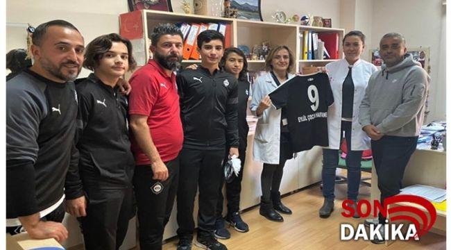 Altay Spor Kulübünden,Dokuz Eylül Üniversitesi Hastanesine Moral Ziyareti...