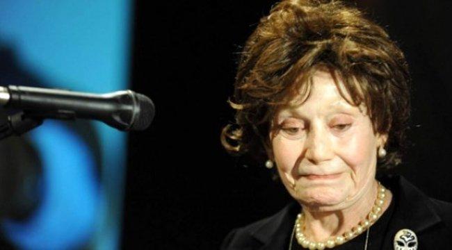 Dün akşam vefat eden Yıldız Kenter'in sınıf arkadaşı tiyatrocu Jale Birsel de hayatını kaybetti