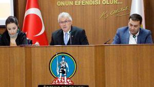 Belediye başkan yardımcısının maaşı meclisi karıştırdı
