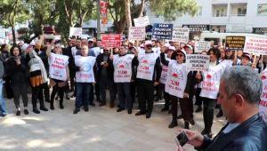 Gaziemir Belediyesi memurlarından 'toplu sözleşmesi' eylemi
