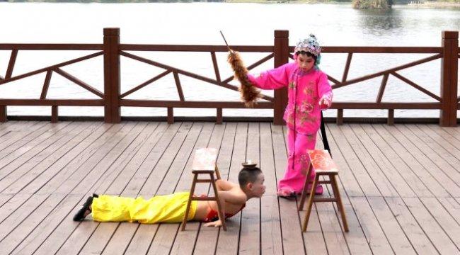 23 Nisan şenliğine katılamayan Çinli çocuklardan Türkiye ve İzmir'e özel mesaj