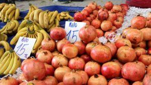 İzmir'de sokağa çıkma yasağı öncesi pazarlarda fiyat artışı