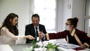 İzmir'deki nikah müracaatlarında yüzde 80 düşüş var