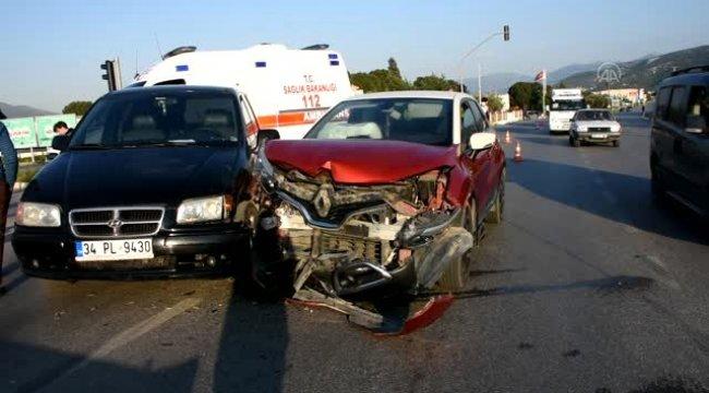 Trafik kazasında, iki kişi yaralandı