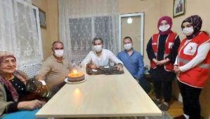 Emine Nine'ye hiç kutlamadığı doğum gününde sürpriz