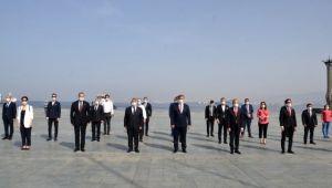 İzmir'de 19 Mayıs'ın 101. yılına sosyal mesafeli kutlama