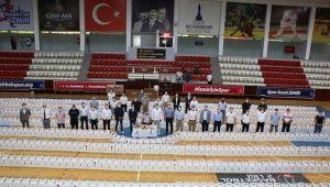 İzmir'de amatör kulüplere destek! 1.200 erzak kolisi...