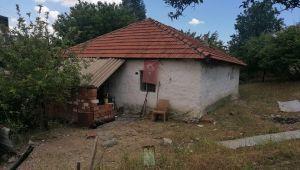 İzmir'de kardeşinin boğazından bıçakladığı kişi hayatını kaybetti