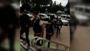 İzmir'de yazlık evlere giren hırsızları geride bıraktıkları yiyecekler yakalattı