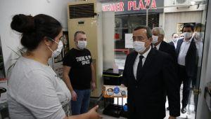 Konak'ta berber ve kuaförlere dezenfektasyon hizmeti!