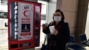 5'li maske paketi Maskematiklerden İzmirim Kart ile 3,56 TL'ye alınabilecek