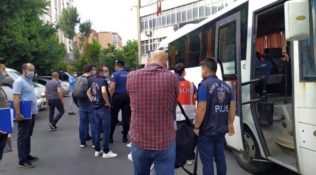 FETÖ'nün kripto yapılanması operasyonunda gözaltına alınan 15 kişi adliyeye sevk edildi
