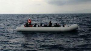 İzmir'de 21 göçmen kurtarıldı