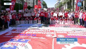 İzmir'de İşçiler Hükümeti Protesto Etti