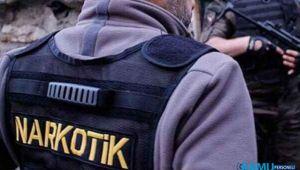 İzmir'de polisten kaçan şüpheli uyuşturucuyla yakalandı