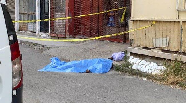 Sokak ortasında ölen babaya son bakış