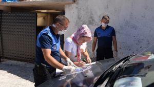Bergama Belediye Zabıtası bulduğu cüzdanı sahibine teslim etti