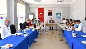 Foça belediye meclisi, 4 ay sonra yeniden toplandı