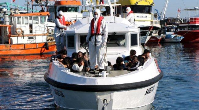 İzmir'de 82 sığınmacı kurtarıldı