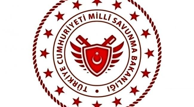 'İzmir Ege Deniz Bölge Komutanlığından çıkan kuru ot yangını kontrol altına alındı'