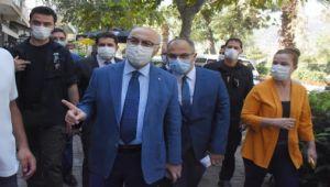 İzmir Valisi Köşger, Kovid-19 denetimine katıldı Açıklaması