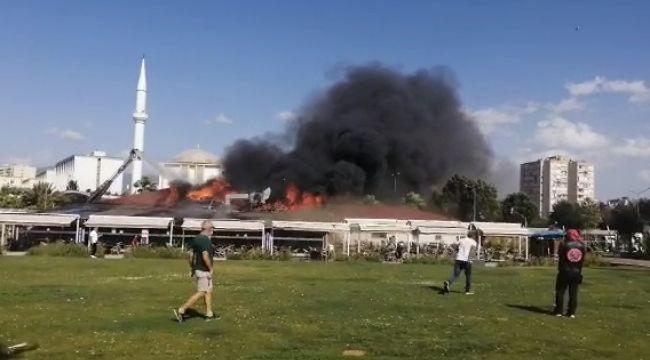 Bostanlı Yasemin Kafe'de büyük yangın!.Olay yerinden sıcak görüntüler