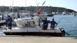 İzmir'de açık deniz balıkçılık turnuvası sona erdi