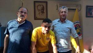 Menemenspor'da Şeref imzaladı