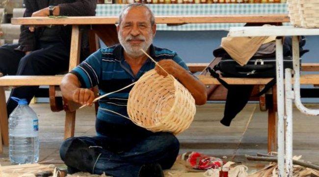 Ustası, Şile'de kaybolmaya yüz tutmuş sepetçilik mesleğini anlattı