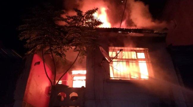 Çanta imalathanesinde korkunç yangın: Onlarca kuş yanarak telef oldu