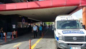 İzmir'de 2 doktor ile hastane polisi darbedildi