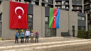 La Bonita'da Azerbaycan Bayrağı Dalgalanıyor