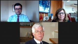 TÜSİAD Onursal Başkanı Kayhan öğrencilerle bir araya geldi