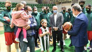 Bornova Belediyespor Ayda ve Atakan'ı ağırladı