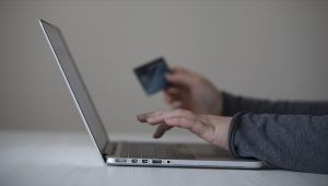 'Alışverişlerde internet korsanlarına karşı tedbirli olun