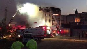 Buca'da 2 ayrı fabrikada yangın çıktı