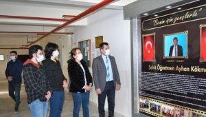 İzmir'de 3 yıl önce öldürülen okul müdürü için anı köşesi oluşturuldu