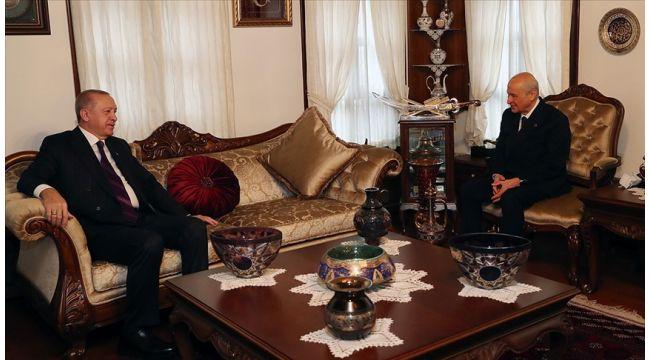 Cumhurbaşkanı Erdoğan Bahçeli'yi evinde ziyaret etti