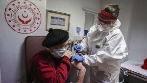 Engelli ve yaşlı bakım kuruluşlarında CoronaVac aşısı uygulanmaya başladı