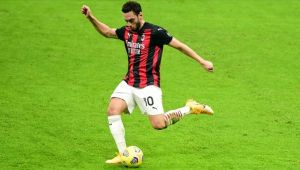 Milli futbolcu Hakan Çalhanoğlu koronavirüse yakalandı