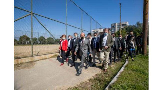 Acil Çözüm Ekipleri Bornova'nın mahallelerinde işbaşı yaptı