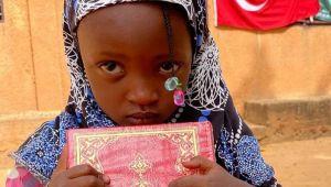 Afrika'ya Binlerce Kuran-ı Kerim Dağıtıldı