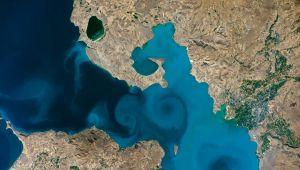 Astronotların uzaydan çektiği Van Gölü fotoğrafı, yarı finalde